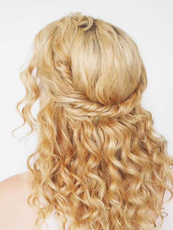 9 Easy On The Go Hairstyles For Naturally Curly Hair Nice Haircuts