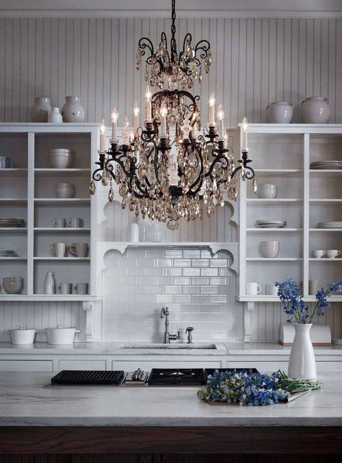 Ooo that chandelier Yes Going for this look over our