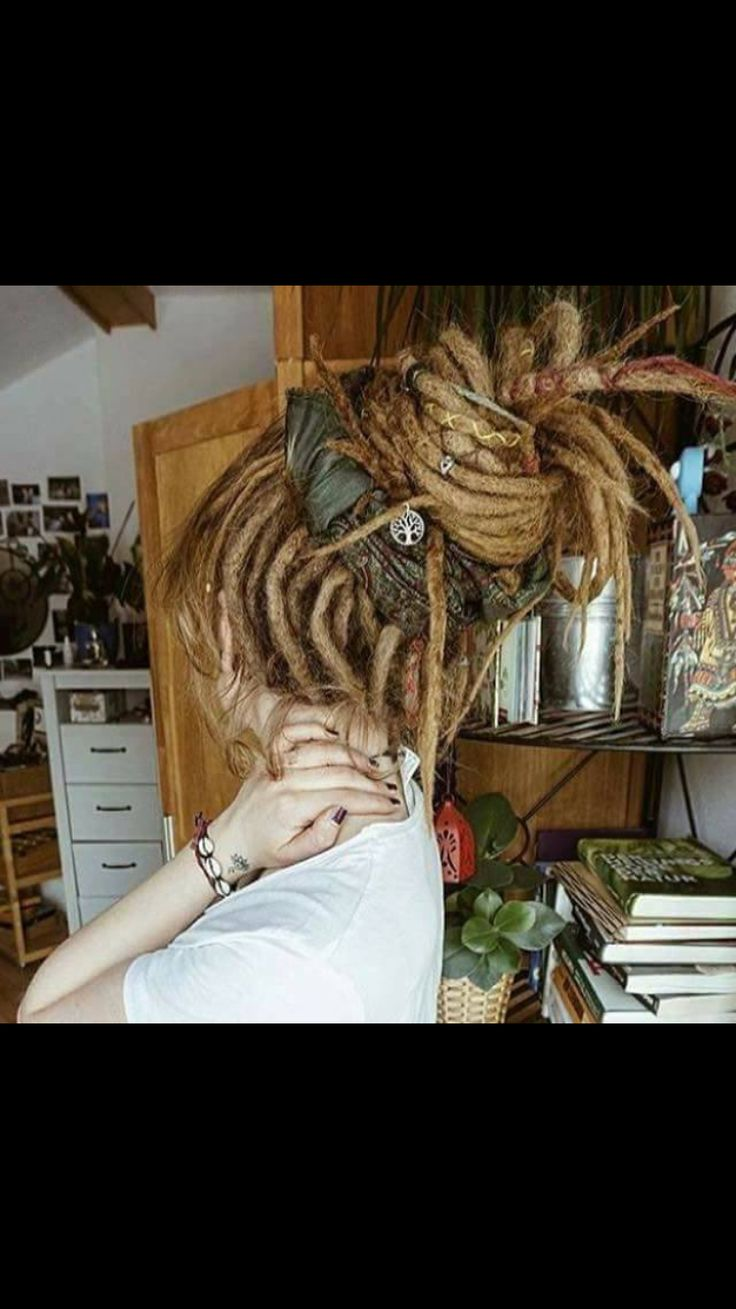 25 Best Ideas About Rasta Girl On Pinterest Dreadlocks