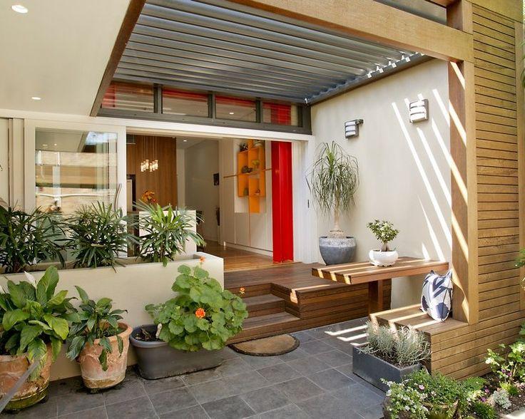 Teras rumah dengan desain yang unik  Referensi Rumah
