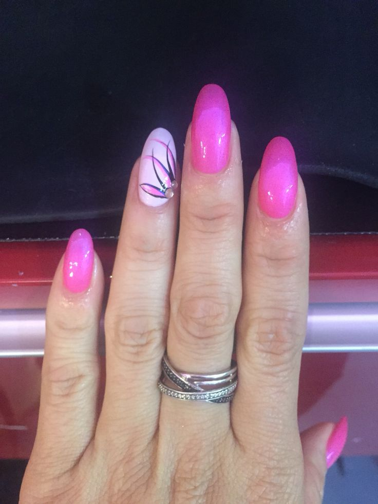 25 best ideas about Pink Oval Nails on Pinterest