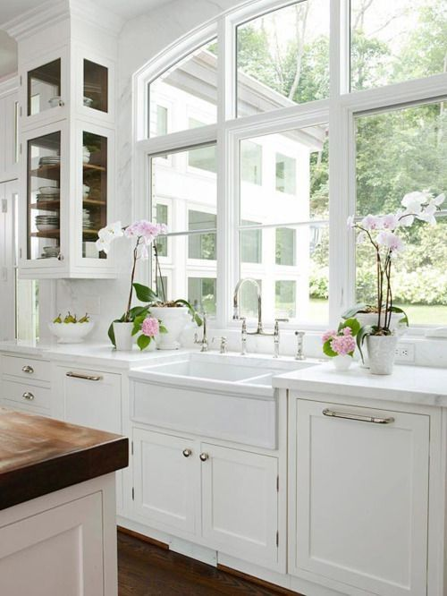 Where can I find a double basin farmhouse sink? VR.: