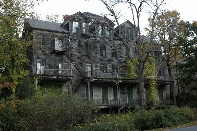 American Wallpaper Fall River Ma The Walloomsac Inn Vermont Abandoned Places Pinterest