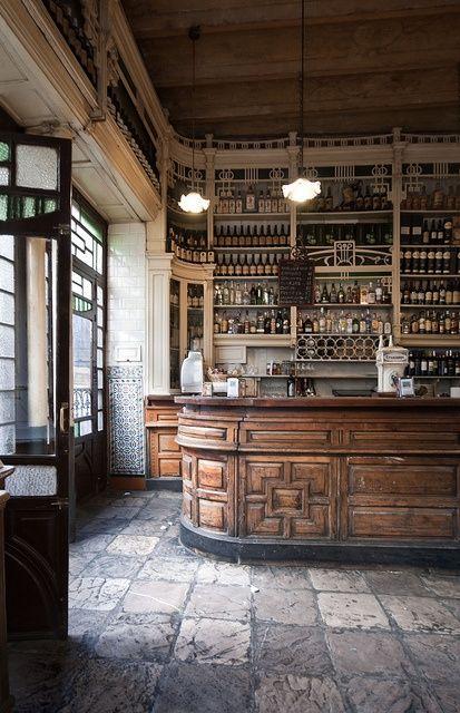 Rustic Back Bar Shelving Ideas