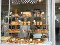 25+ best ideas about Bakery Window Display on Pinterest ...
