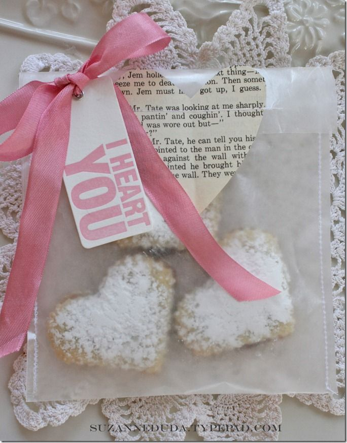 Sew Waxed Paper To Make Gift Bags For Baked Goods Genius