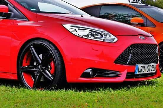 Red Ford Focus St Mk3 Black And Red Rims Ford Focus St