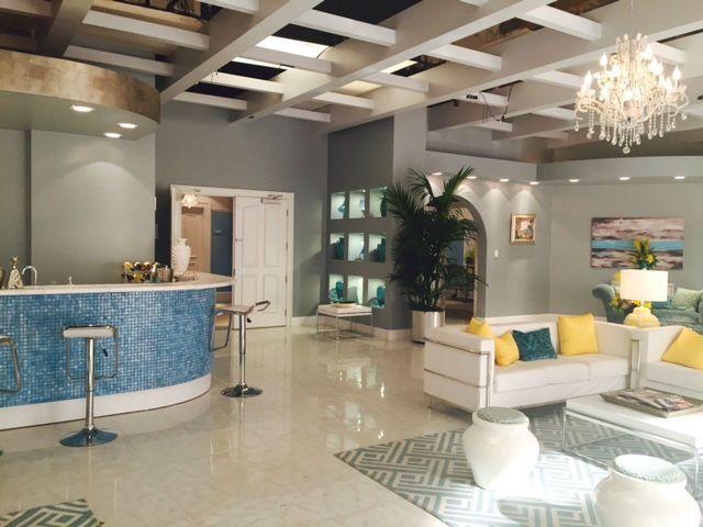 JanethevirginhotellobbyTCA  Living room Family Room
