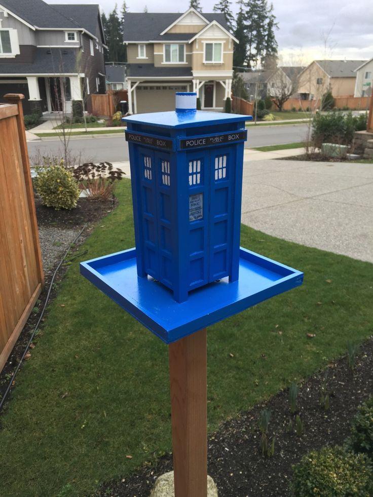 Doctor Who TARDIS Bird Feeder