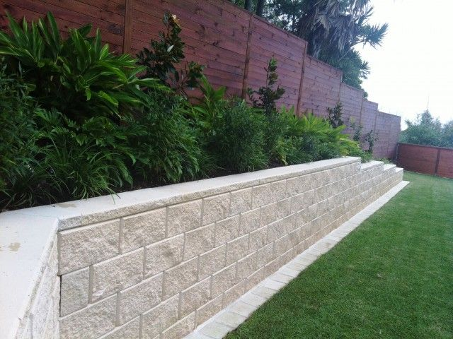 The 25 Best Ideas About Retaining Walls On Pinterest Retaining