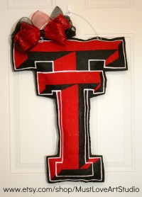 1000+ images about College Wreath Ideas on Pinterest ...