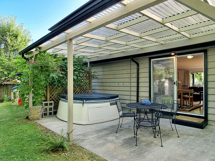 need to make my patio cover this nice even with the same plastic corrugated sheets