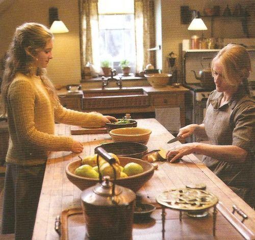 New still of Prim  Mrs Everdeen in the kitchen