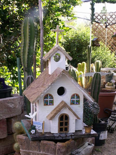 17 Best images about Birdhouses on Pinterest  Shabby chic birdhouse Bird house plans and