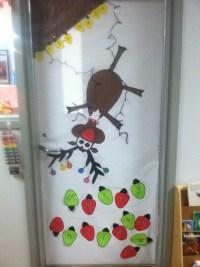 Reindeer door | Craft Ideas | Pinterest | Bulletin board ...