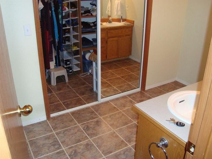 How to Clean Vinyl Floors for Bathroom  Design
