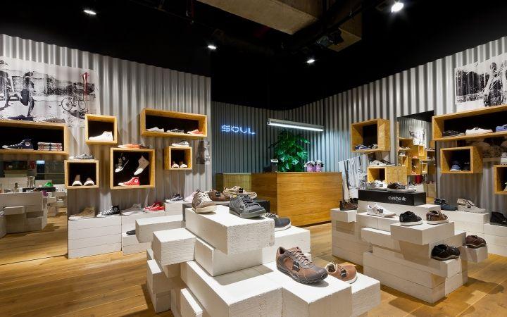 Best 20 Shoe Store Design ideas on Pinterest  Design shop Shop interior design and Shoe shop