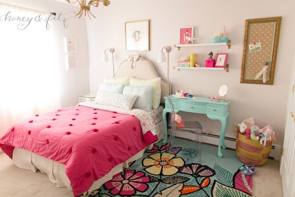 Mermaid-Inspired Big Girl Room – love the aqua desk and lucite chair!