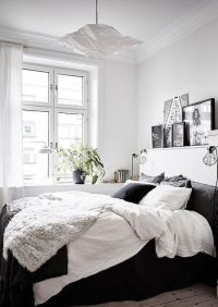 25+ best ideas about Bed against window on Pinterest ...