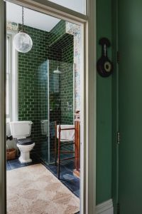 25+ best ideas about Green bathroom tiles on Pinterest ...