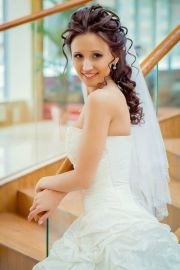 long wedding hairstyle with curls