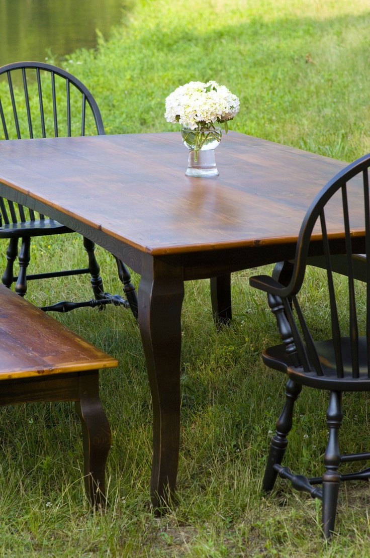 Farm Table Made Of Reclaimed Pine Barn Wood With Cabriole