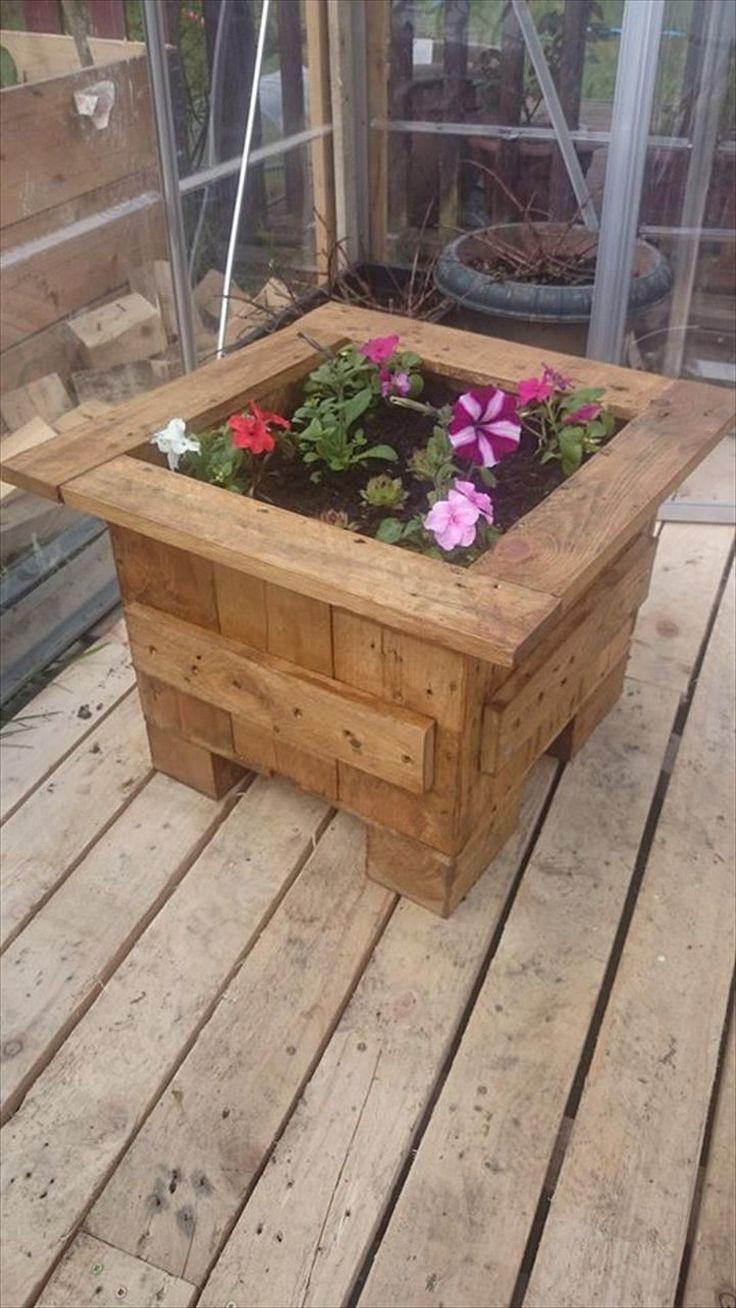 17 Best ideas about Pallet Flower Box on Pinterest