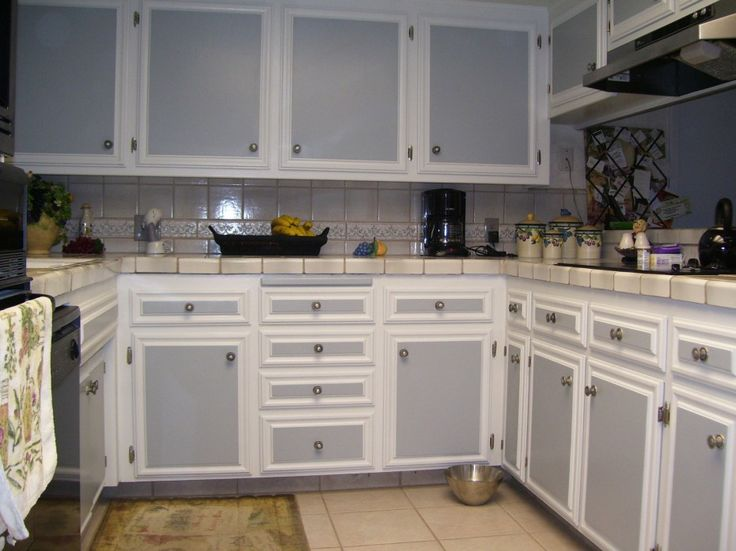 Two Color Kitchen Cabinets Pictures Kitchen Cabinets And
