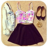 Cute crop top & skirt outfit | My kind of style  ...