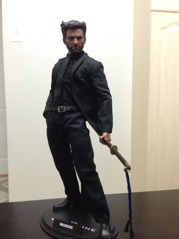 Marvel The Wolverine 16 scale collectible figure by
