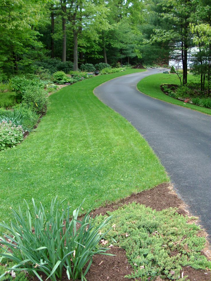 25 Best Ideas About Driveway Entrance Landscaping On Pinterest