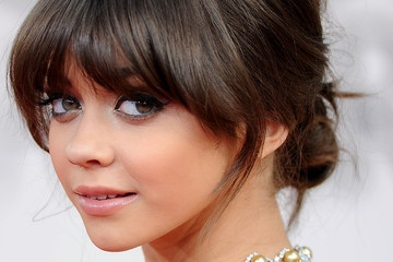 Angled Bangs – Hairstyle Tips – StyleBistro