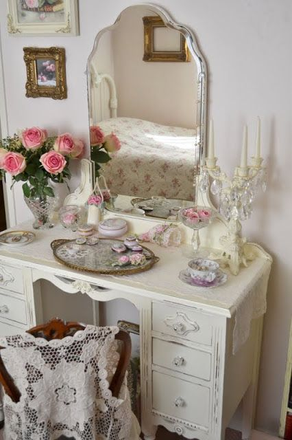1000 Ideas About Vintage Dressing Tables On Pinterest