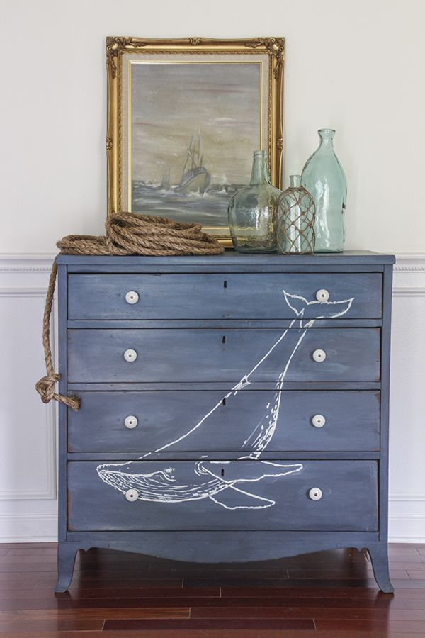 Nautical elements such as anchors, a ship's wheel, or buoys can work in any style of beach decor, but grou