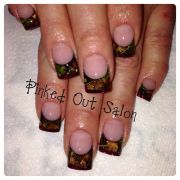 camo nails real leaves