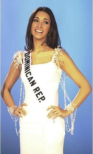 Miss Universe 2003 Amelia Vega of the Dominican Republic
