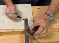 http://www.ronhazelton.com/tips/how_to_make_holes_in ...