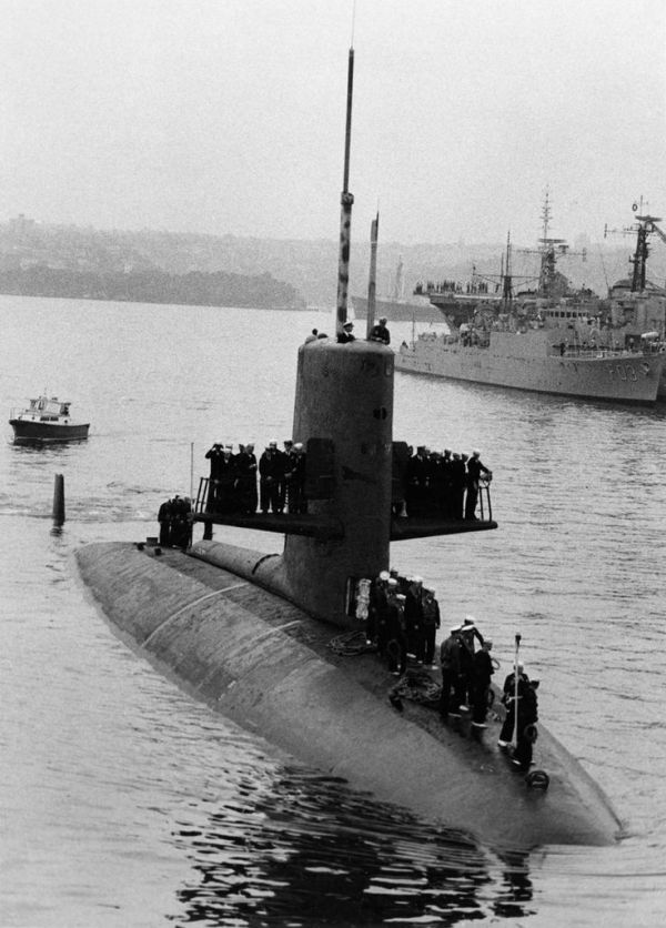 124 best images about Submarines on Pinterest Benjamin