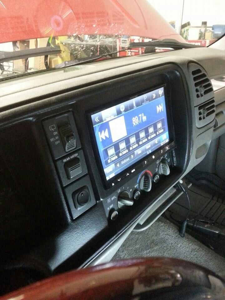 Chevrolet Tahoe Z71 Radio Amplifier And Sound System Speakers Wiring