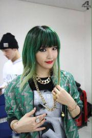 4 minute green hair - google
