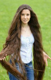 1048 floor length hair
