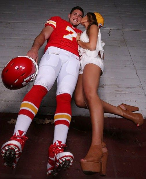 PHOTO Forget Aaron Murray Check Out His Girlfriend Kacie McDonnells Legs  FatManWriting