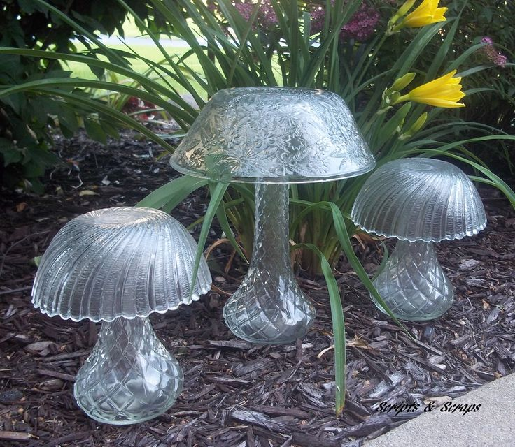 25 Best Ideas About Glass Garden Art On Pinterest Glass Garden