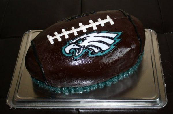 17 Best images about Philadelphia Eagles Cakes on