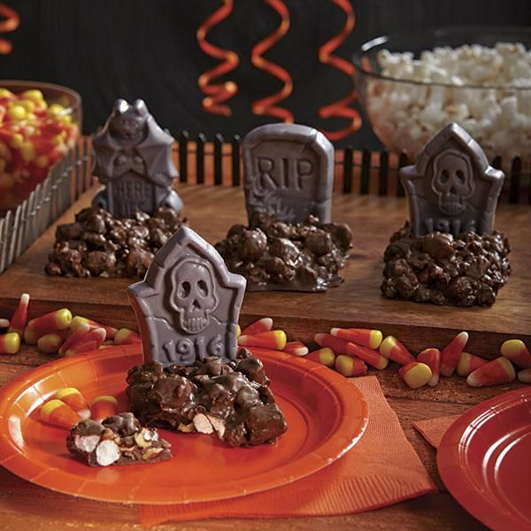 21 Best Images About Wilton Halloween Candy Molds On