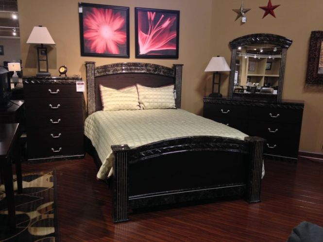 Vachel Bedroom Collection On Our Floor At Ashley Furniture In Richland Wa