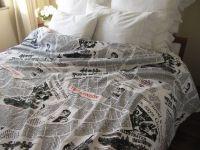Writing Newspaper print duvet cover - Book bedding - Black ...