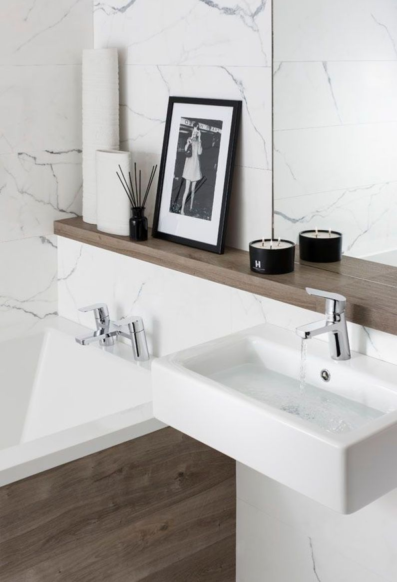Minimalist & Natural | Modern Bathroom Styling Details | Bath Essentials | Contemporary Design | Natural | Add an organic bamboo toothbrush | nakedtoothbrush.com | #inspiration #nakedbath: