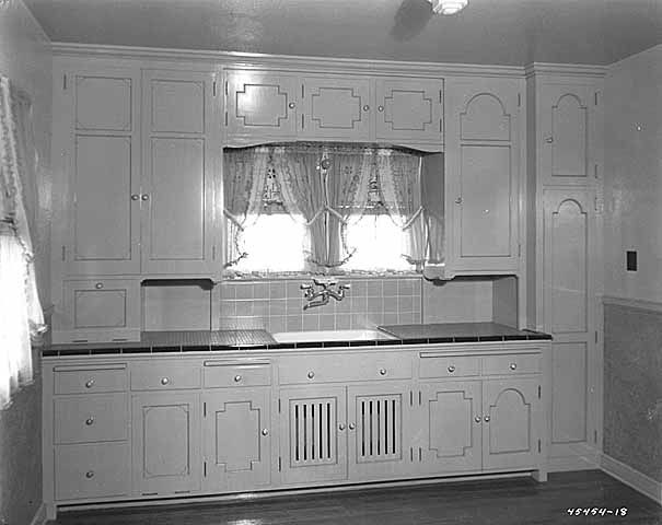 1930s kitchen inspiration for cottage style kitchens