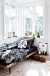 25+ best Daybed Ideas on Pinterest   Pallet daybed, Daybed ...